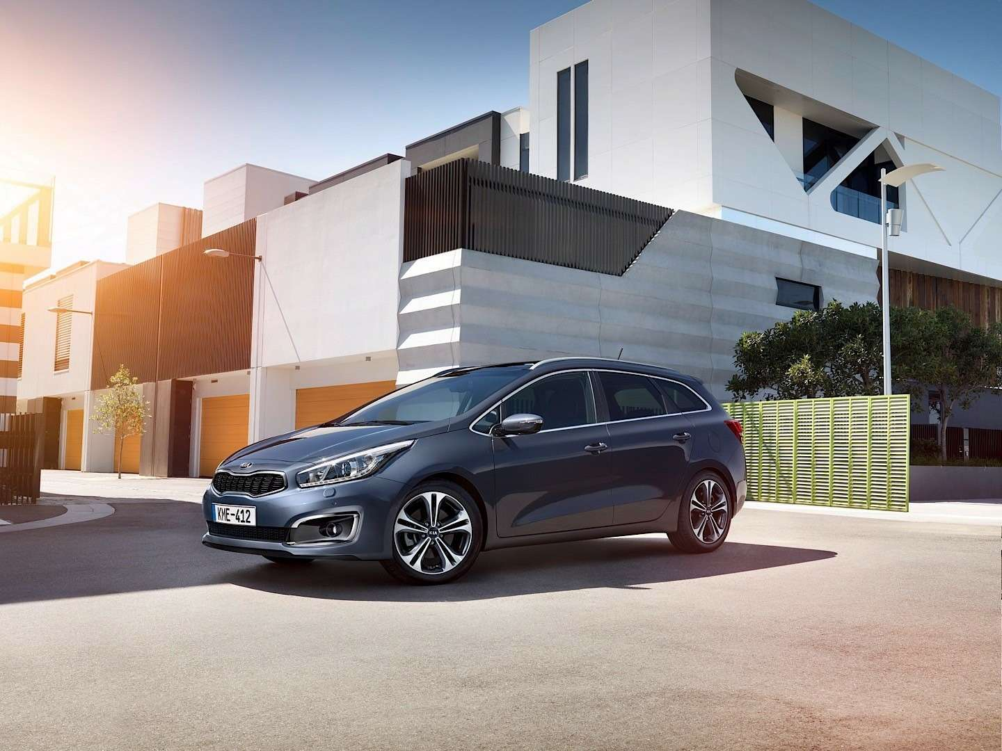 2016-kia-cee-d-brings-subtle-visual-upgrades-new-engines-and-sporty-gt-line-photo-gallery_5