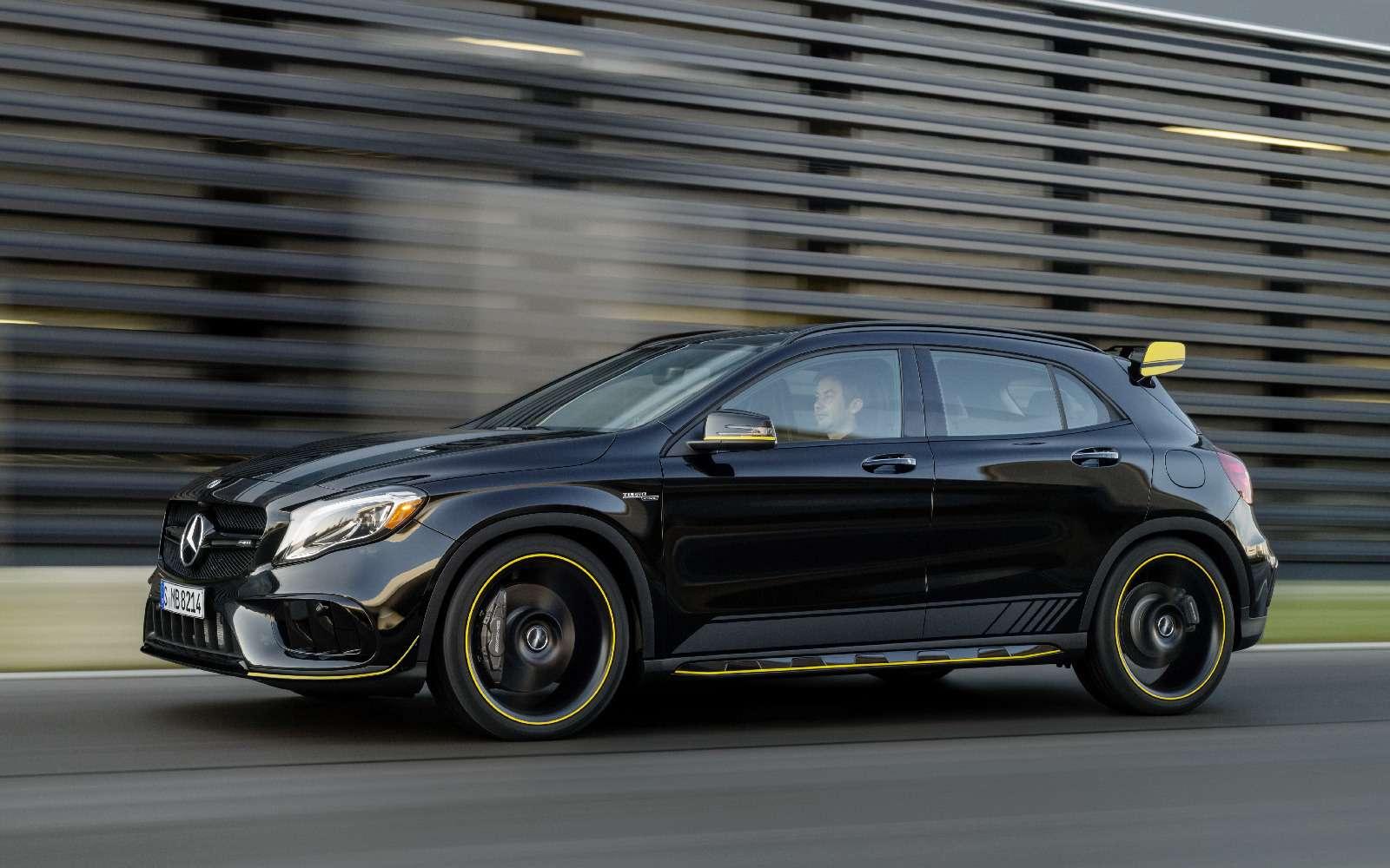 Mercedes-Benz GLA стал краше, нонепросторнее— фото 690086