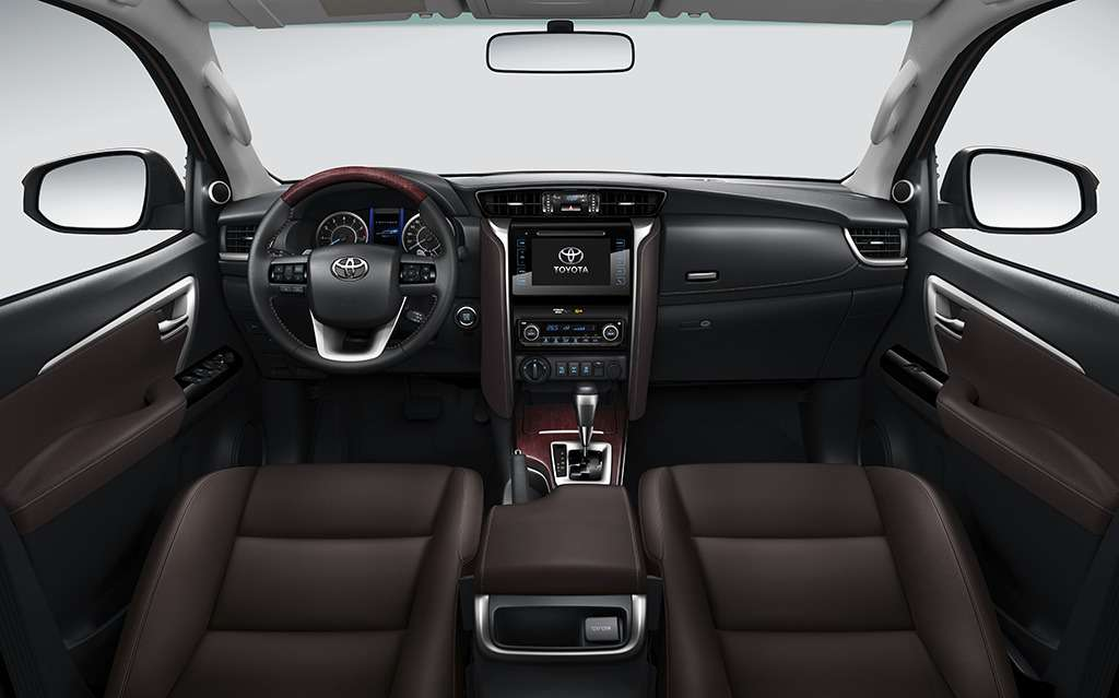 Toyota Fortuner вРоссии будет доступен только стурбодизелем— фото 779065