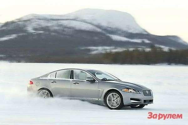 Jaguar XFAWD side view