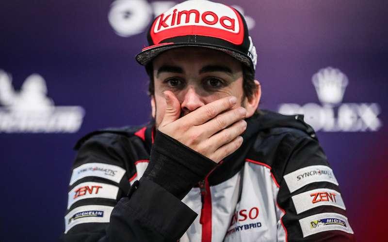 Чемпиона Формулы-1 Фернандо Алонсо сбила машина