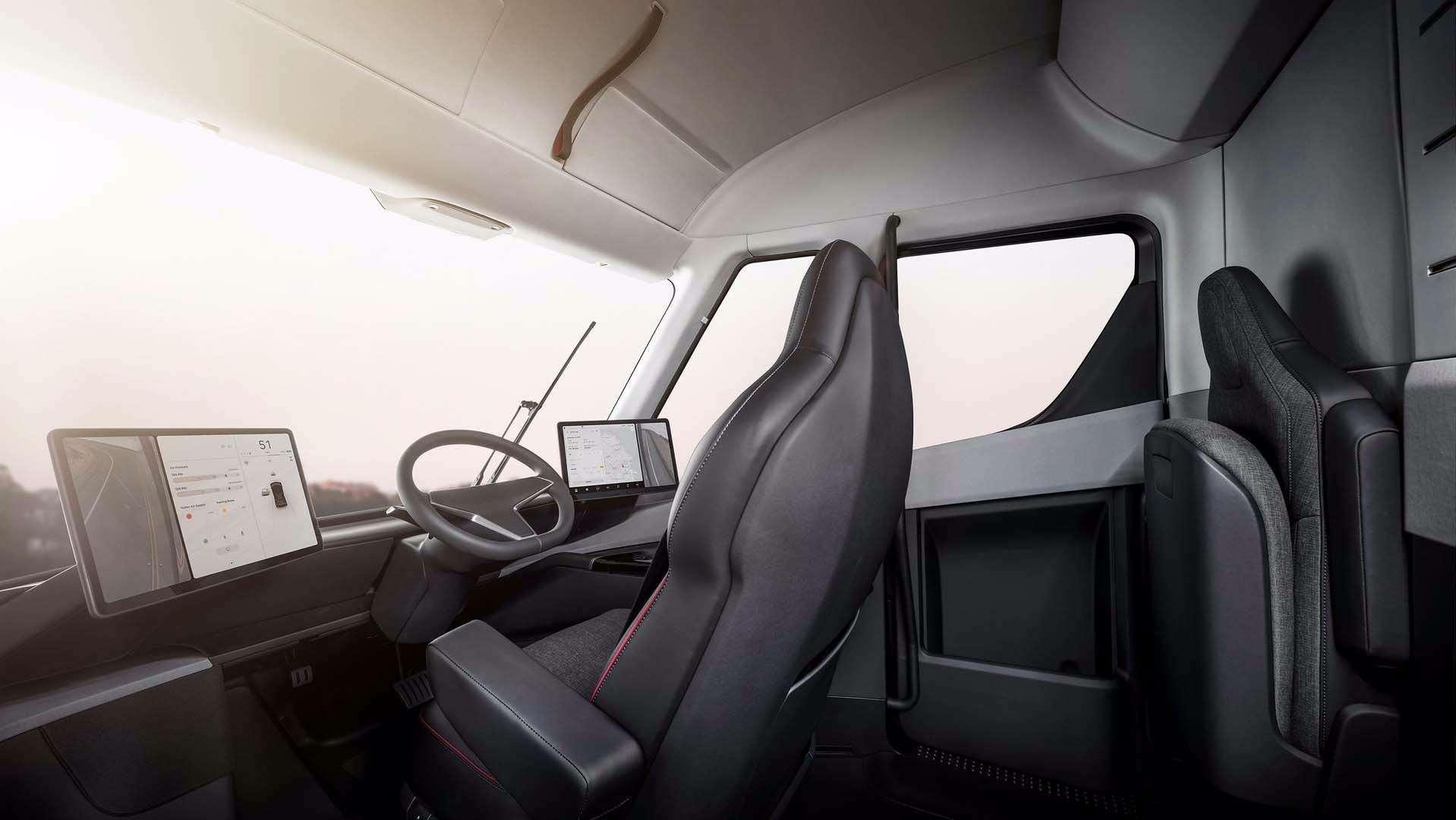 Грузовик Tesla: вечные тормоза иавтопилот. Дальнобойщик Федор Иваныч может остаться без работы!— фото 817334