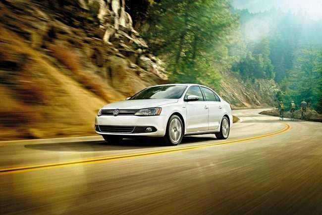 no_copyright_2013-vw-jetta-hybrid-