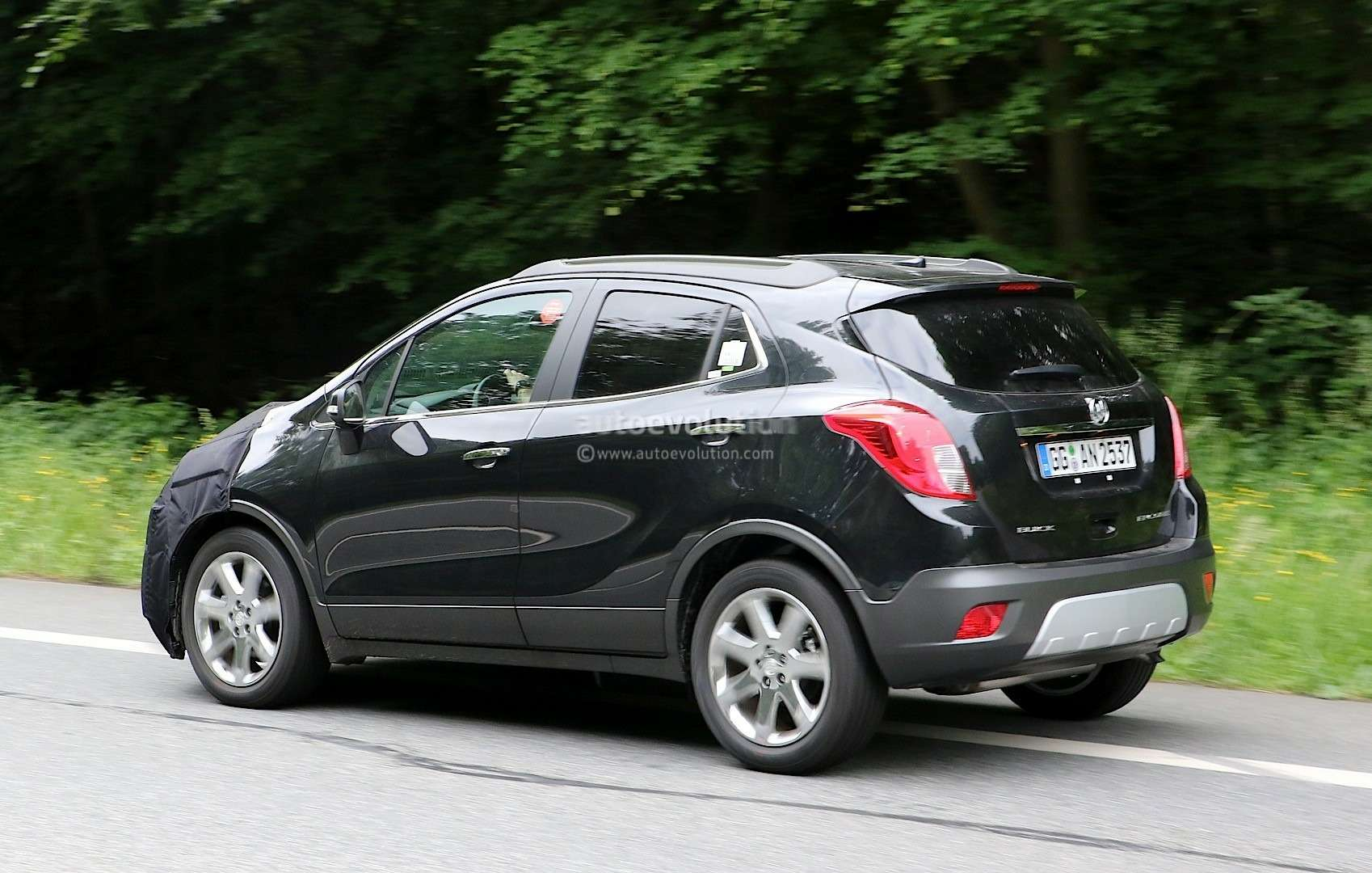 2017-buick-encore-spied-in-germany-photo-gallery_6