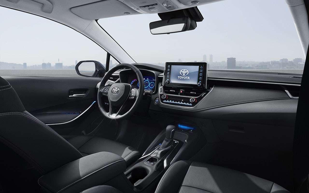 Новая Toyota Corolla появится вРоссии состарым мотором