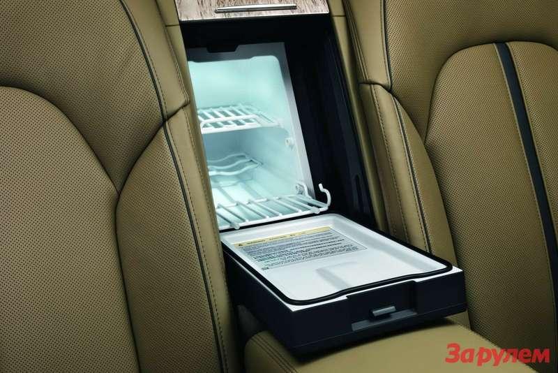 2011-Audi-A8-L-W12-11