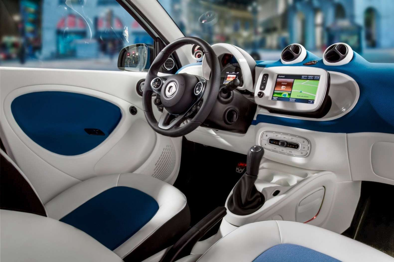 2015-Smart-ForTwo-ForFour-29
