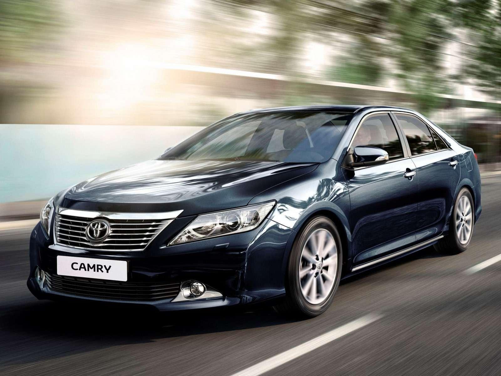 Toyota_Camry_Sedan_2011