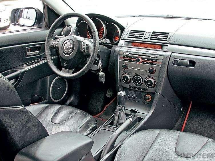 Комплектация Mazda 3: три пишем, пять вуме— фото 89682