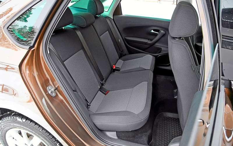5 плюсов иодин большой минус седана Volkswagen Polo
