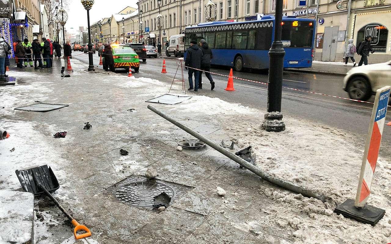 Таксист сбил людей искрылся сместа ДТП