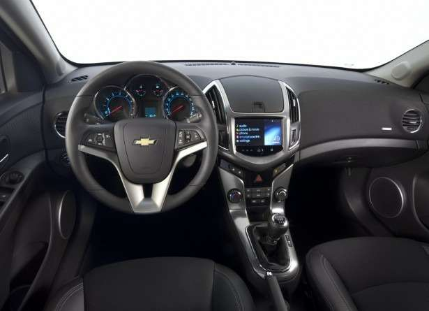 no_copyright_Cruze_interior