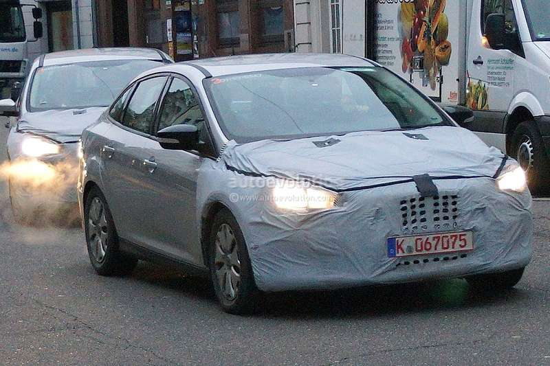 spyshots-2015-ford-focus-hatchback-sedan-and-estate_8_no_copyright
