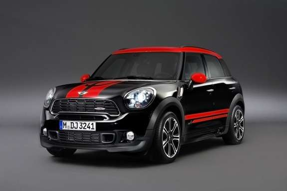 Mini Countryman John Cooper Works side-front view