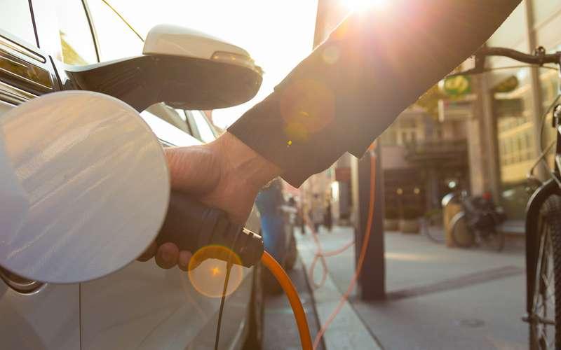 Говорят, спрос наэлектромобили скоро вырастет— верить?