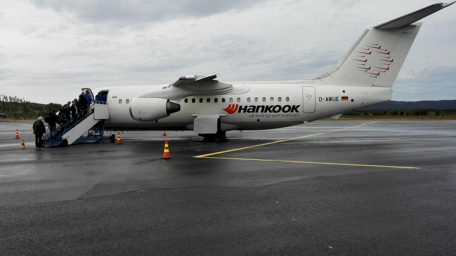 Логотип Hankook нанесли даже нафюзеляж чартерного самолета_result