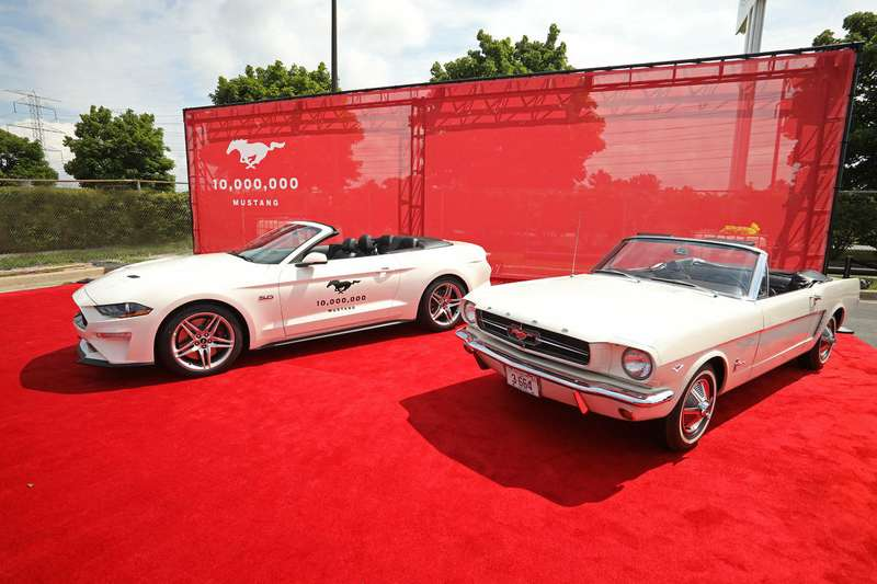 Ford Mustang— есть 10000 000!