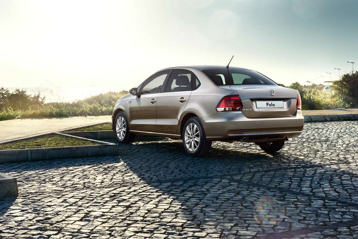 The_New_Volkswagen_Polo_(2)