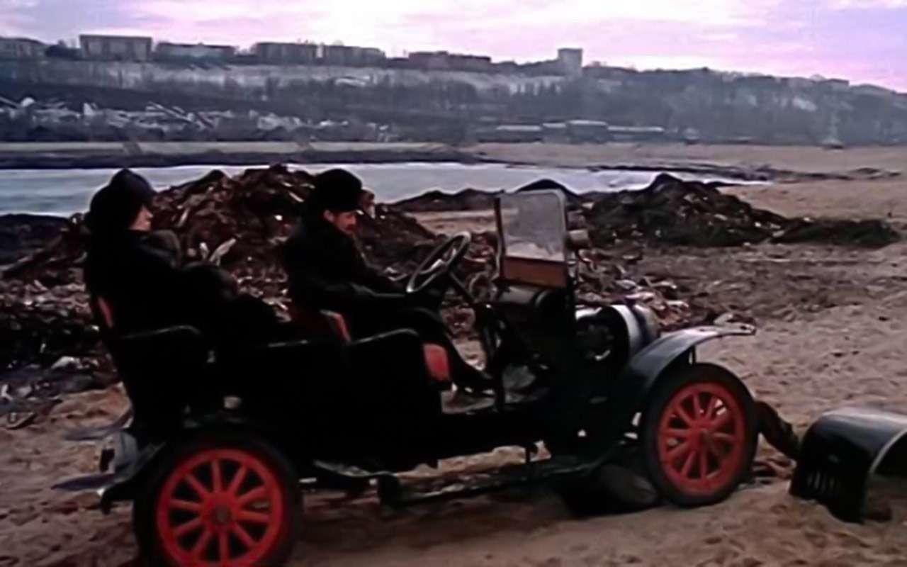 Самые необычные автомобили советских фильмов: хоть один узнаете?— фото 1115826