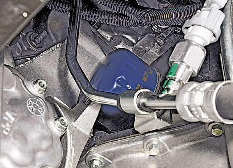 Течет масло под маслянный фильтр в двигателе рено клио 16 клапанов