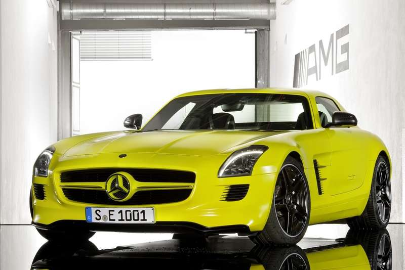 Mercedes-Benz SLS AMG E-Cell Concept side-front view_no_copyright