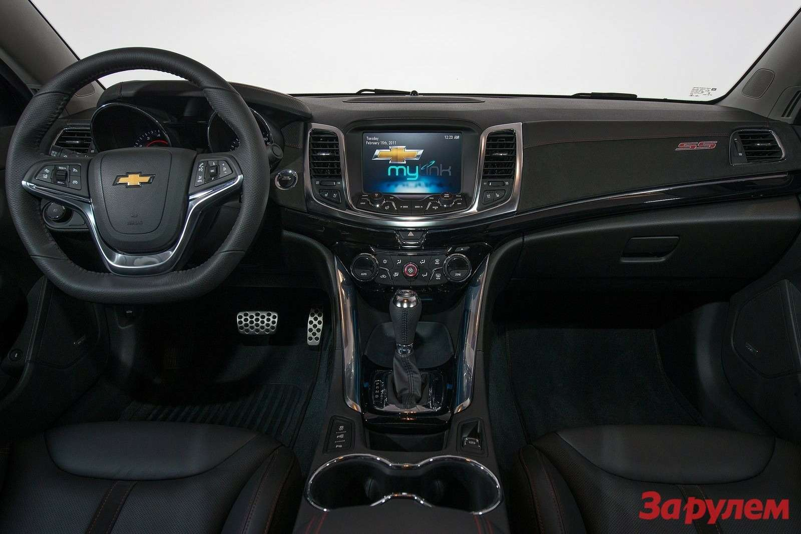 Chevrolet-SS_2014_1600x1200_wallpaper_09