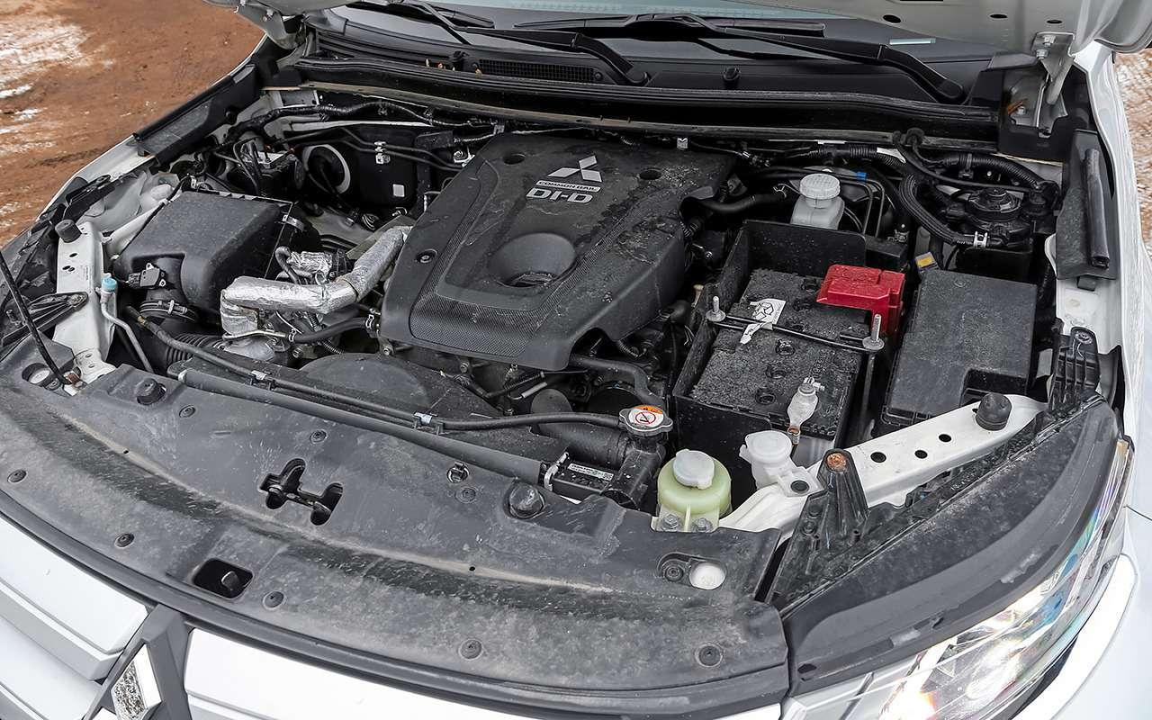 Сравнили пикапы: Mitsubishi L200и большого китайца— фото 1223943