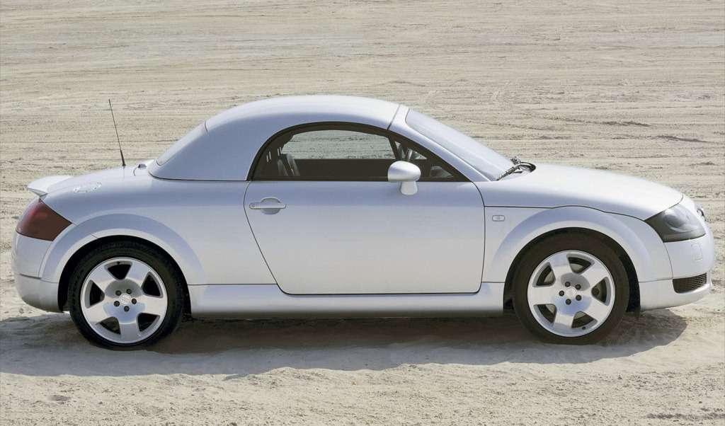 Audi-TT_Roadster_Hardtop_2000_1024x768