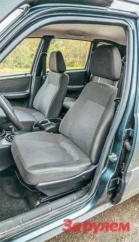 Chevrolet Niva Широкое, плоское, новполне удобное кресло. Жаль, подогрева вэтой комплектации нет.