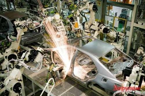 Body Shop welding ofcars, Toyota Australia's Altona manufacturing plant