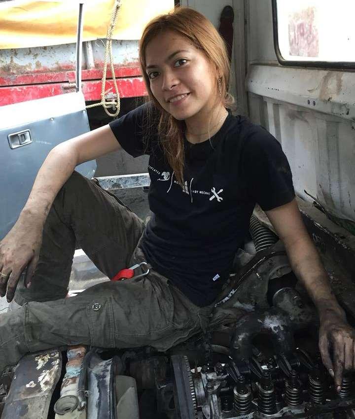 Названа самая красивая вмире девушка-автомеханик— фото 865868