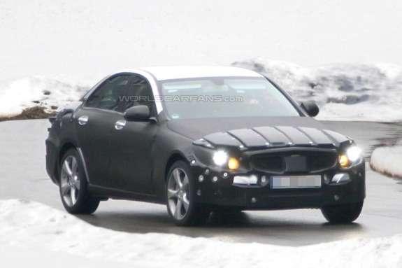 Mercedes-Benz C-klasse saloon test prototype side-front view