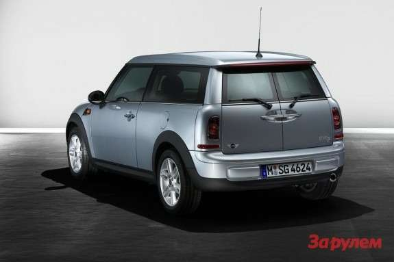Mini Clubman side-rear view