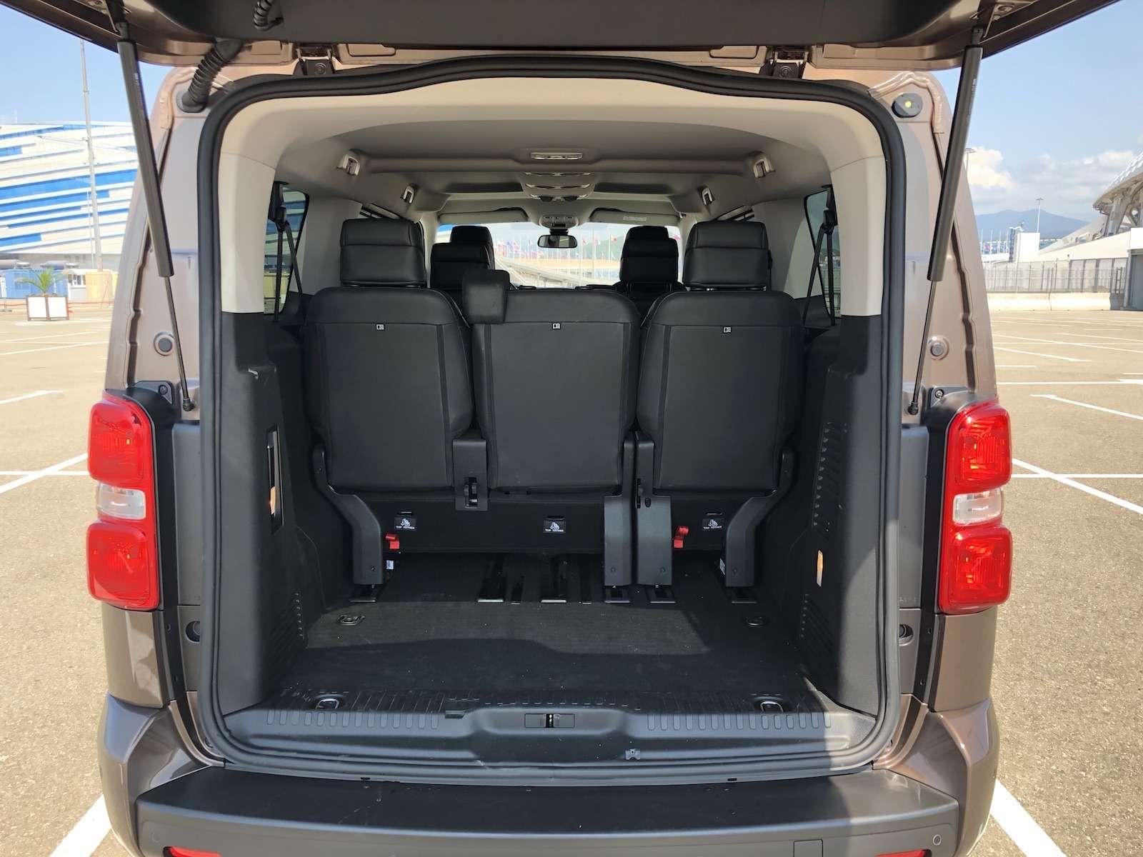 Peugeot Traveller VIP Business: сообразим насемерых?— фото 905250