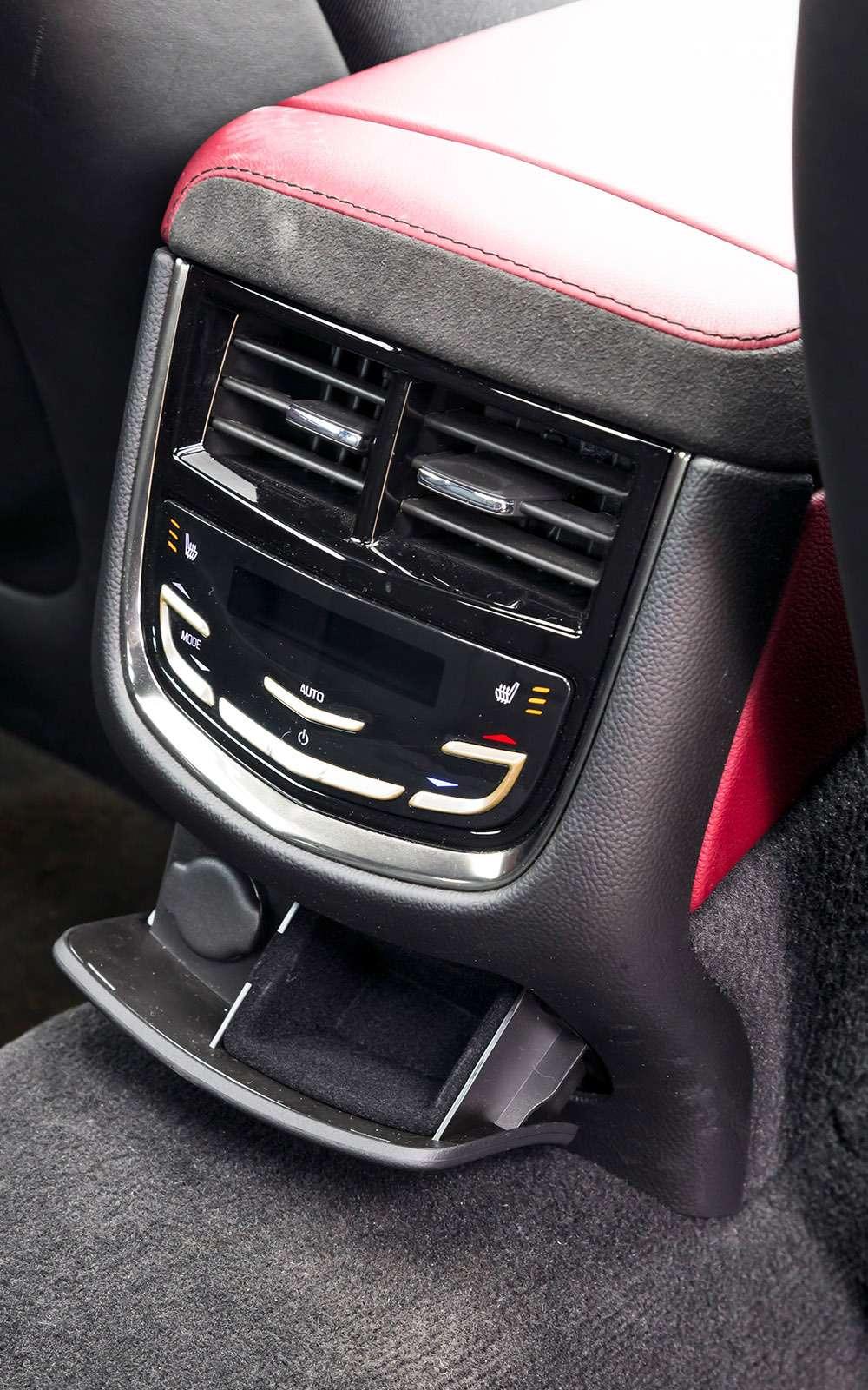 BMW5-й серии против конкурентов: кто напять?— фото 743830