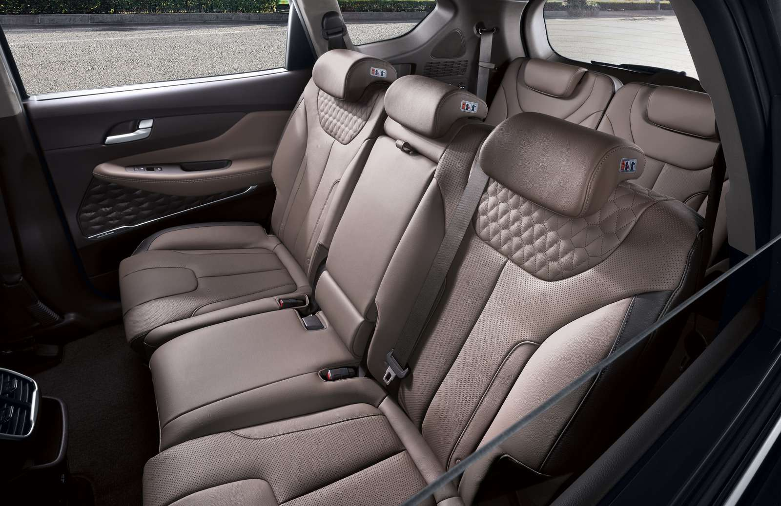 Hyundai рассказала все подробности оSanta Feчетвертого поколения— фото 847657