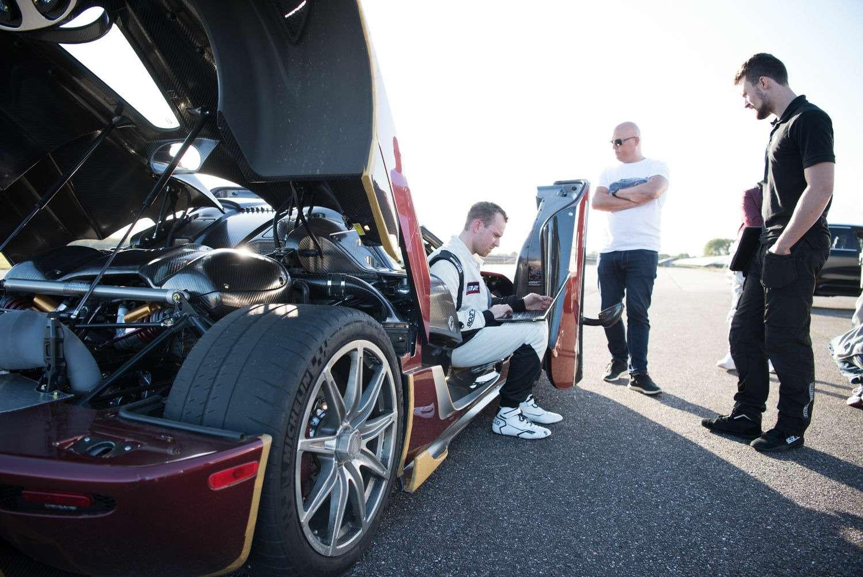Новый мировой рекорд Koenigsegg Agera RS— 0-400 км/ч за26,8 сек.— фото 802012