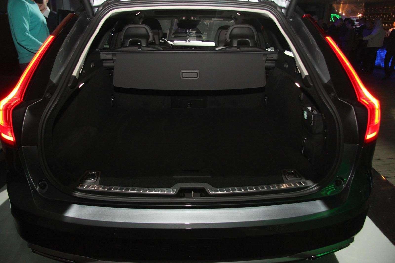 Volvo V90 Cross Country: старт российских продаж ирублевые цены— фото 674577