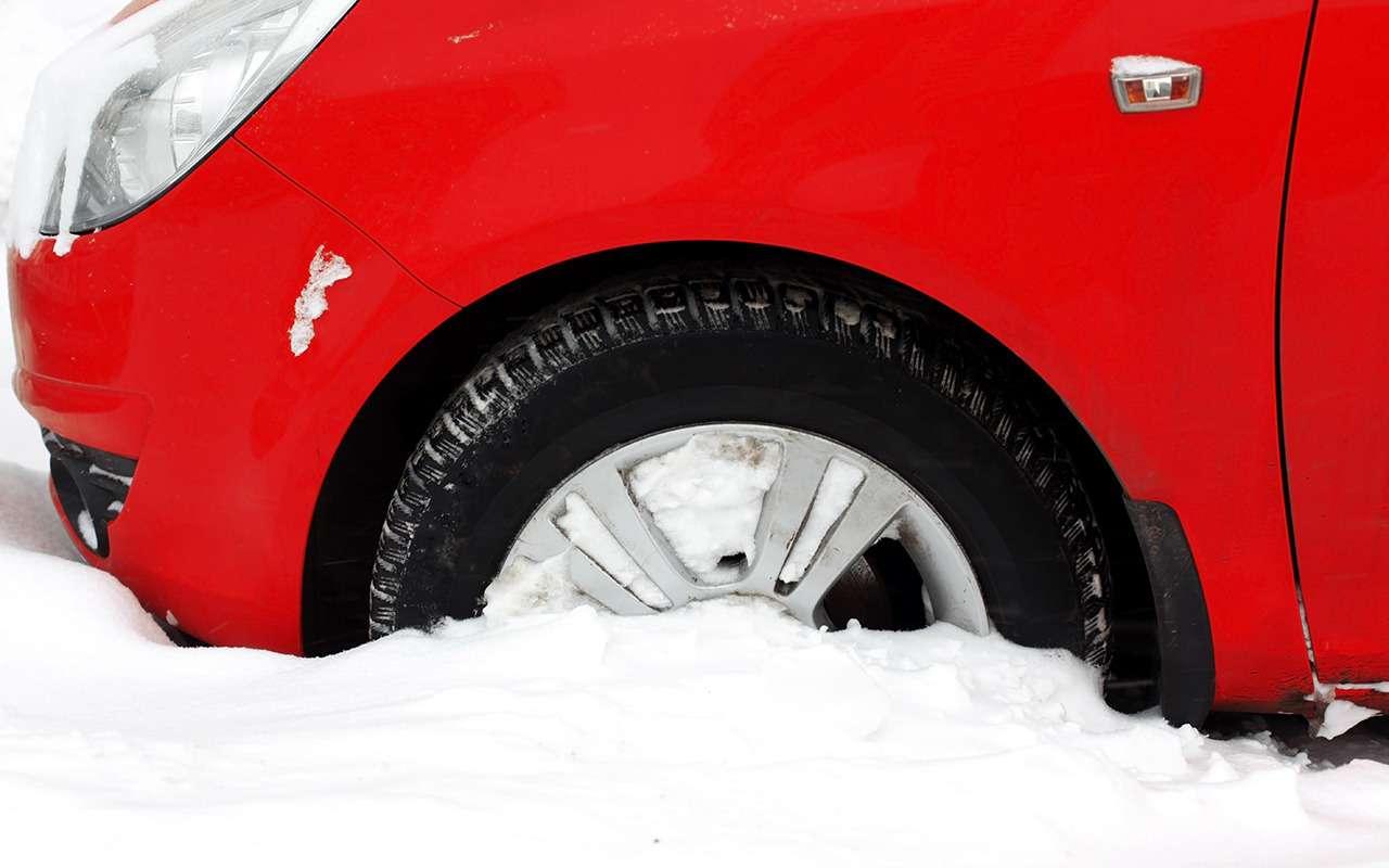 9 способов выбраться, если автомобиль застрял вснегу— фото 933425