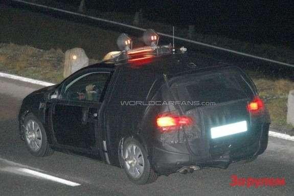NewSEAT Leon test prototype side-rear view