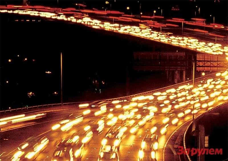 Свет автомобильных ламп