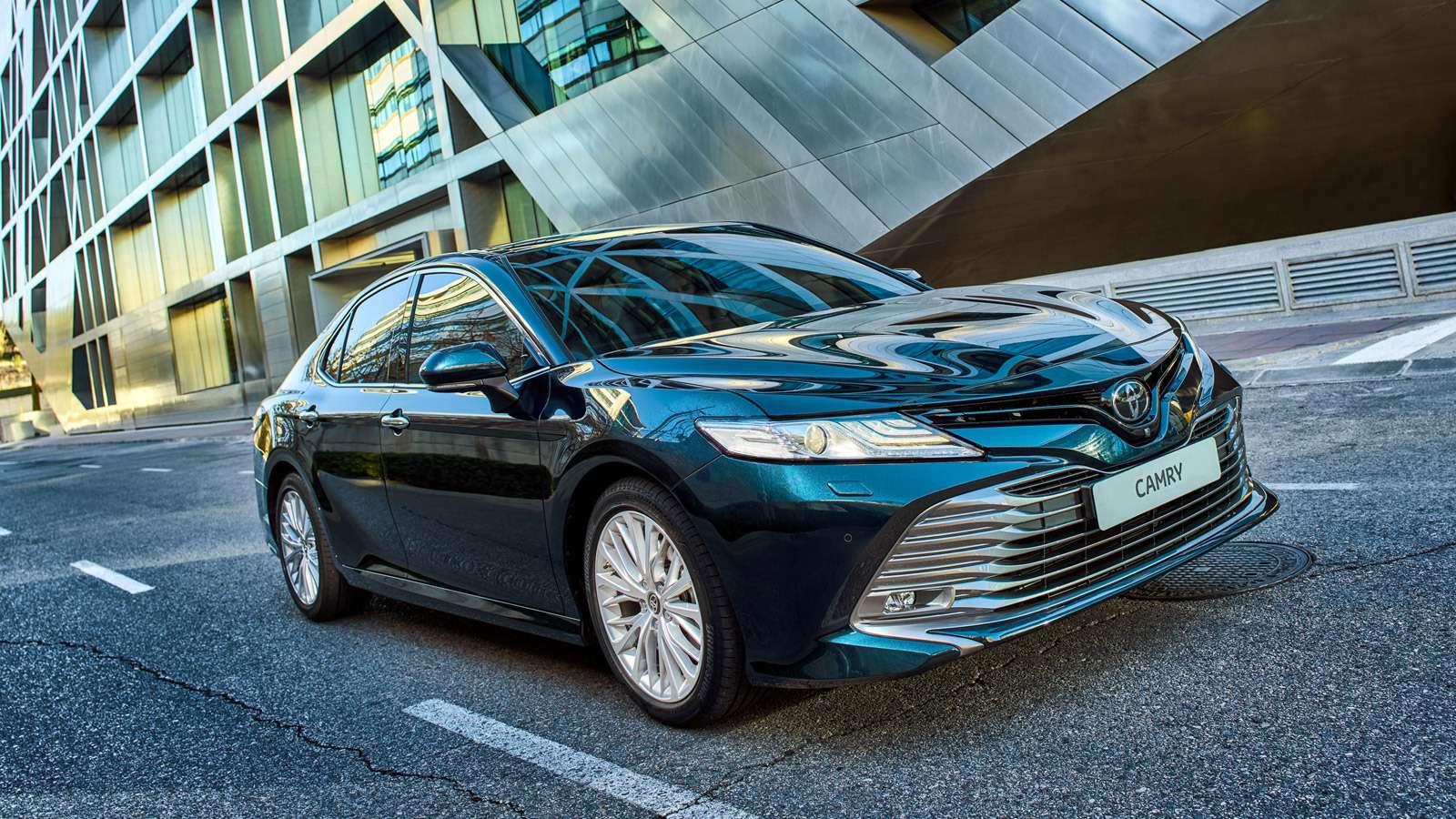 Toyota Camry: названы российские цены. Напервый взгляд, стало дешевле— фото 859047