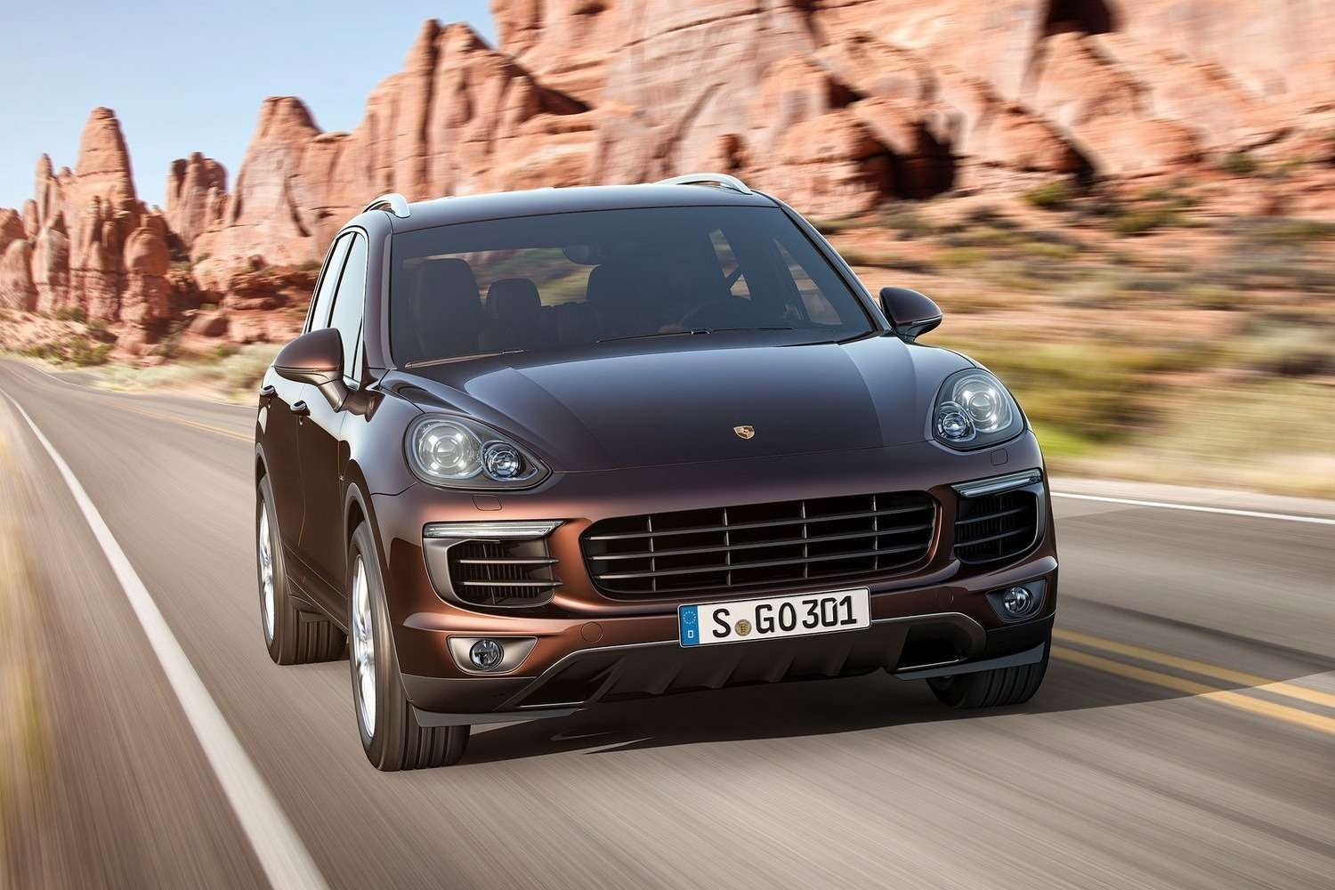 Porsche-Cayenne_2015_1600x1200_wallpaper_03