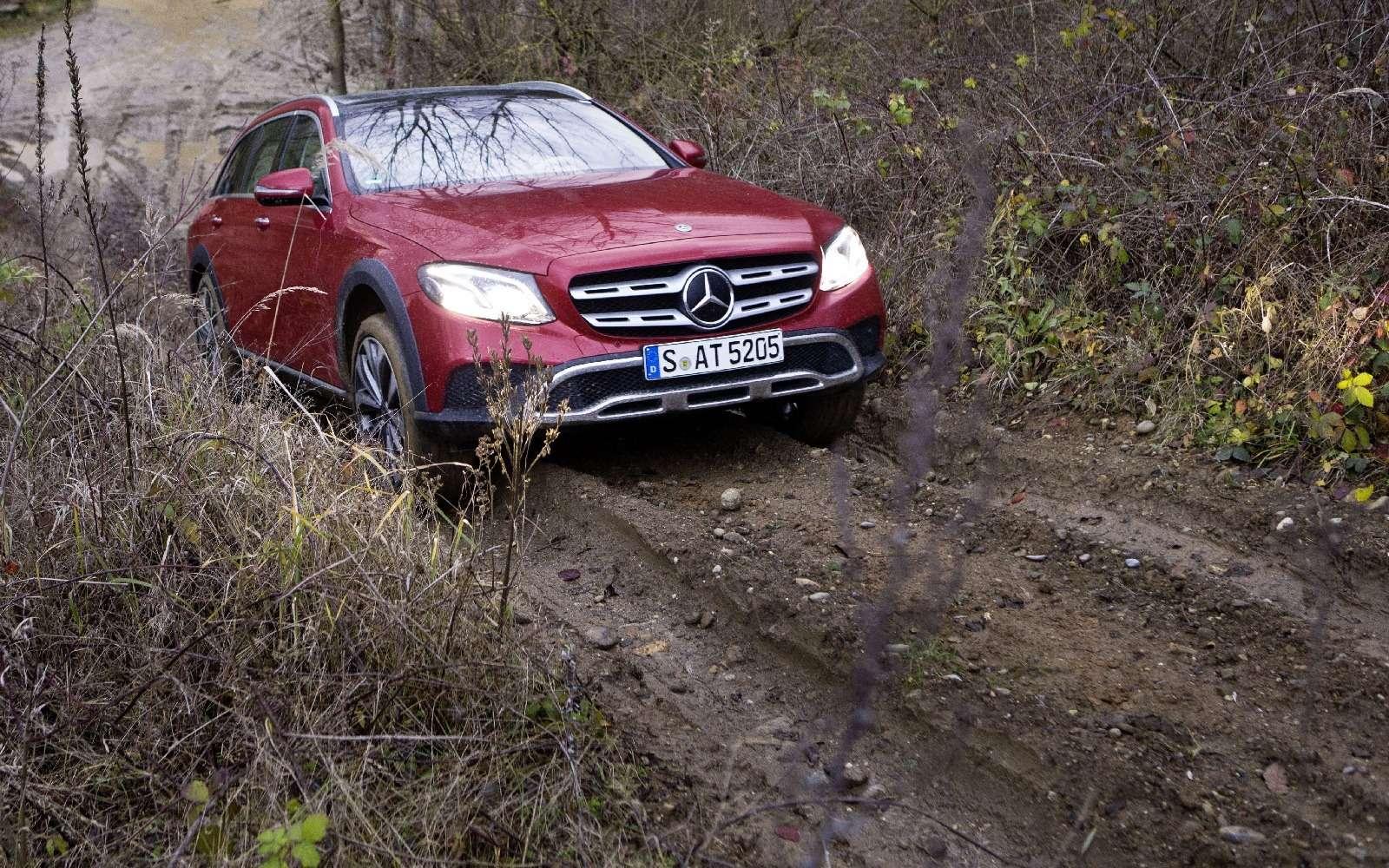 Mercedes-Benz E-класса All-Terrain окунулся вгрязь— фото 674994