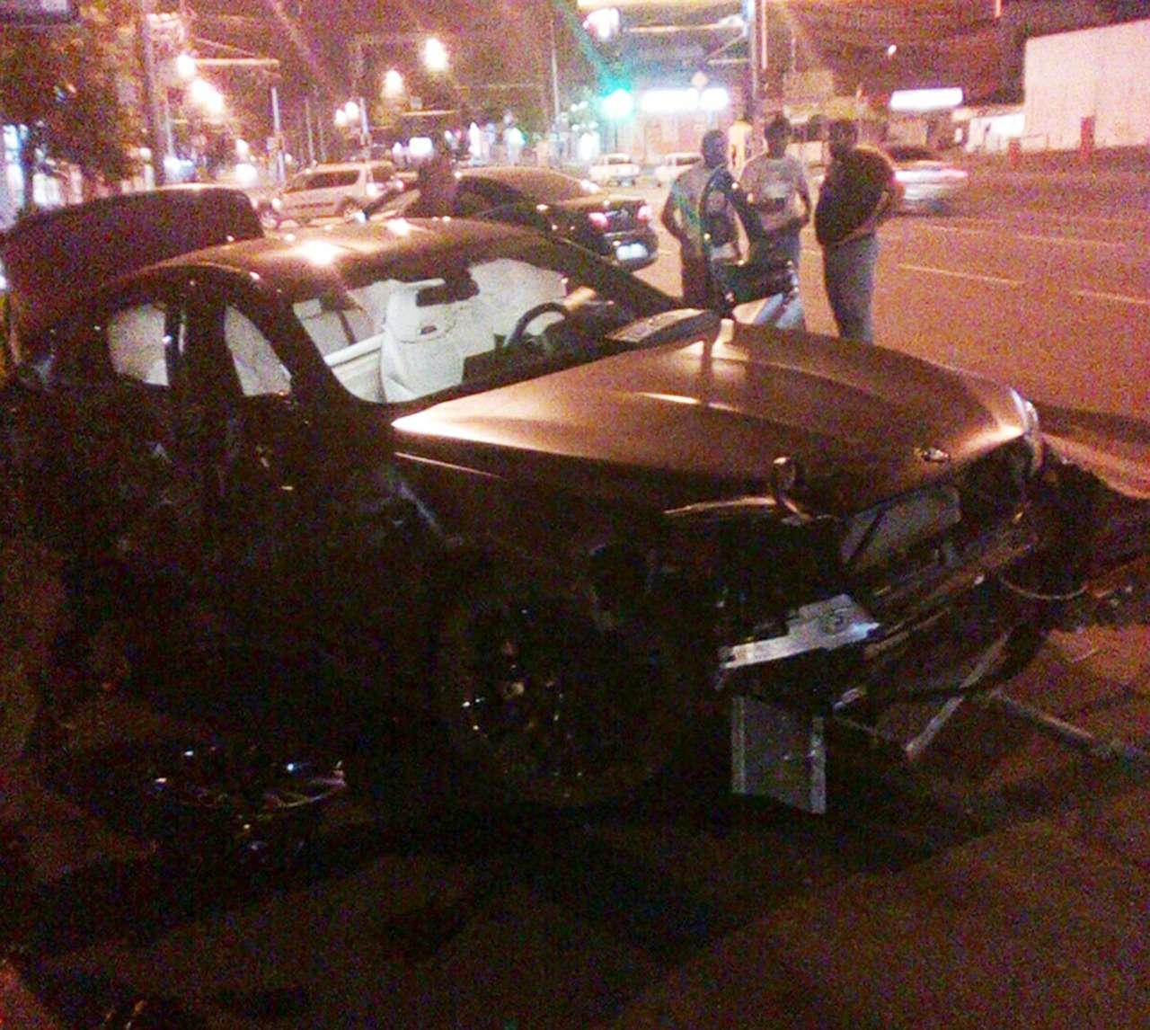 Нападающий Федор Смолов разбил BMW за9миллионов рублей— фото 892019