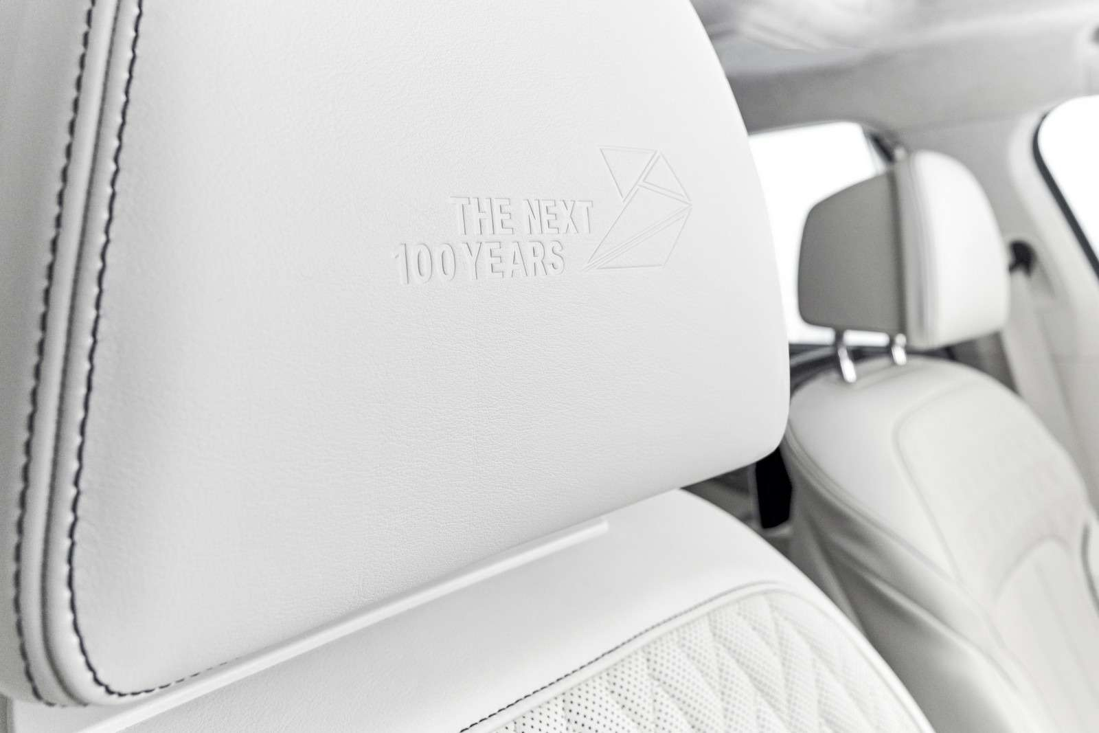 BMWвыпустит юбилейную «семерку»— фото 577989