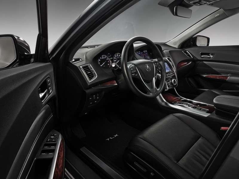 У 3,5-литровой версии Acura TLX режим автомата выбирается неселектором, акнопками нацентральном тоннеле. Подобное памятно поAston Martin Vanquish иFerrari 458_новый размер