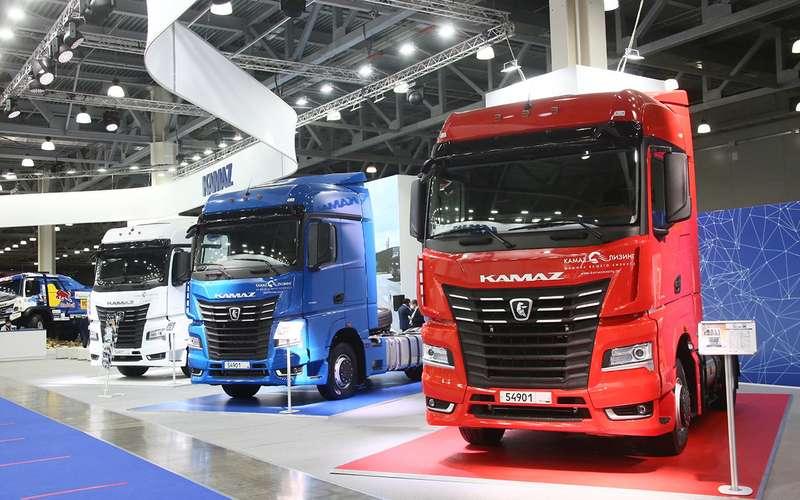 Всетяжелые грузовики наCOMTRANS 2021