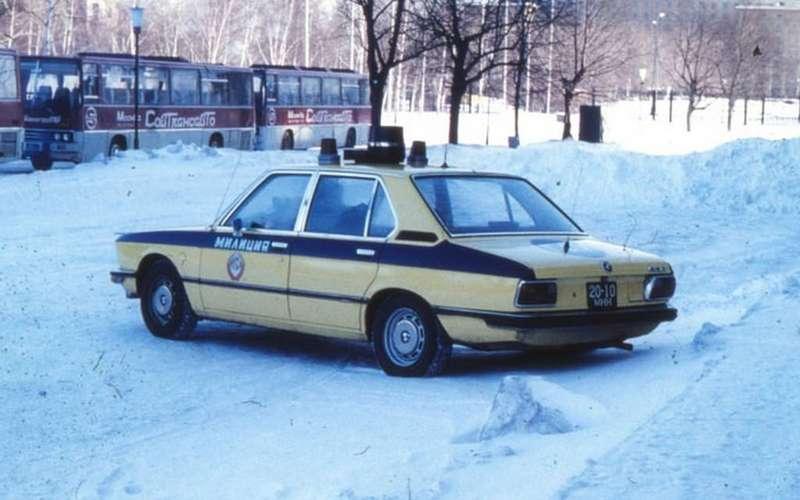 Резервы советской милиции: 11иномарок смигалками игербами