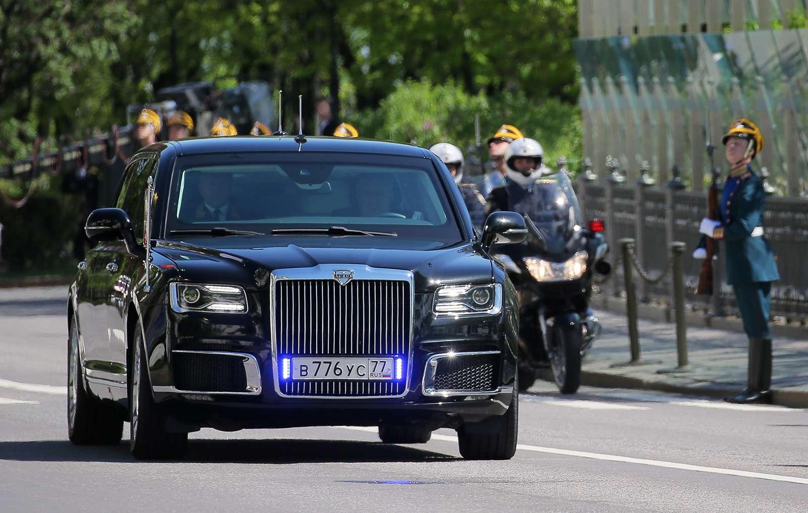 Лимузин президента: 4факта осамом крутом российском автомобиле— фото 868524
